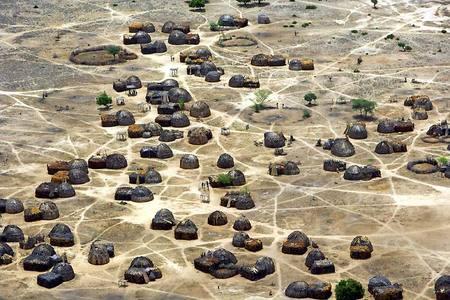 African_village_polzia_2